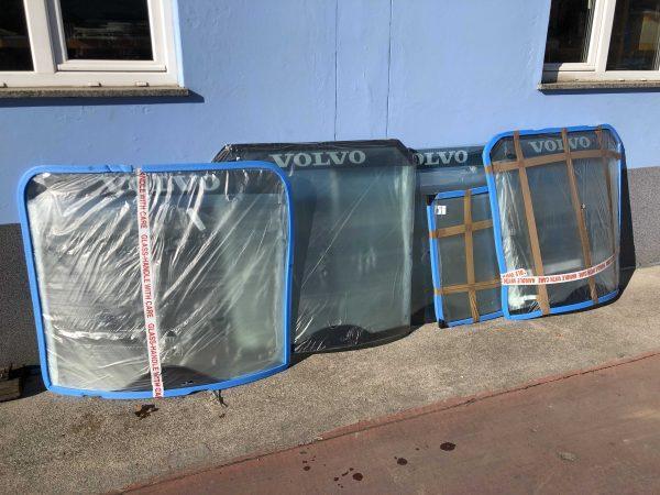 VOE 11104343 Window Pane Door Right Hand